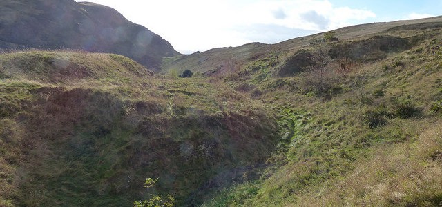 A walk round Arthur's Seat and Holyrood Park from Craigwell Cottage