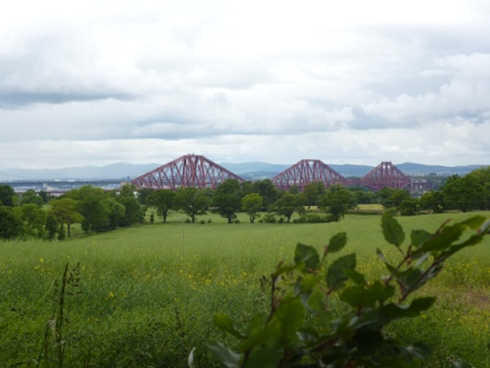 Views towards the Forth Bridge from Dalmeny on the St Andrews Way