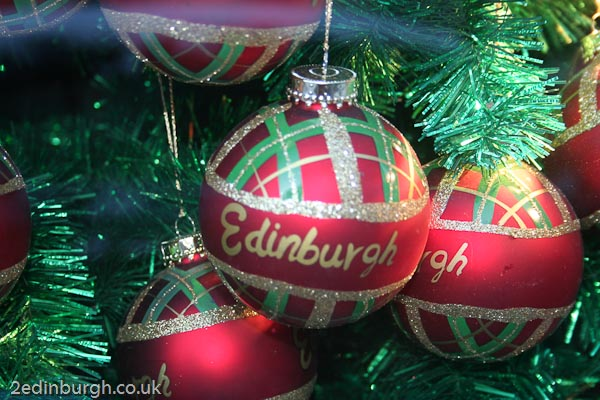 Christmas shopping short breaks in Edinburgh
