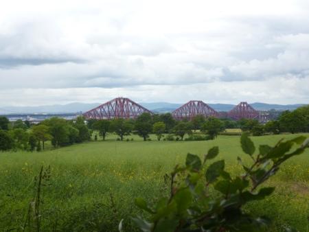 Views towards the Forth Bridge from Dalmeny on the St Andrews Way